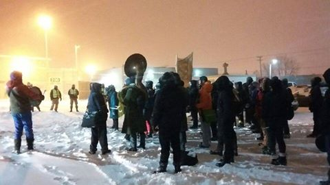 Manifestation de solidarité du Nouvel An devant les prisons à Laval et retour sur la situation à Leclerc
