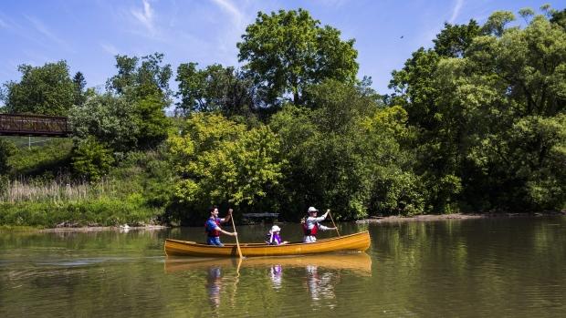 Parce que les parcs «naturels» ont aussi servi et servent encore les fins de la colonisation des espaces et des peuples autochtones